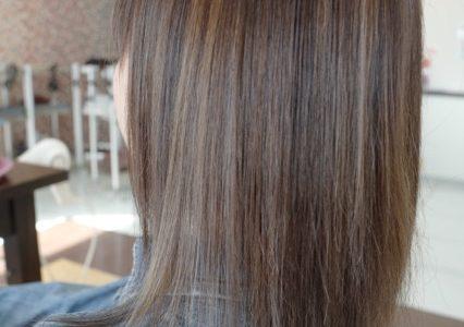 美容室アシック 伊勢崎 美容室 美容師 ブログ 髪質改善 縮毛矯正 トリートメント 求人 有賀聡 カラー ハイライト ローライト