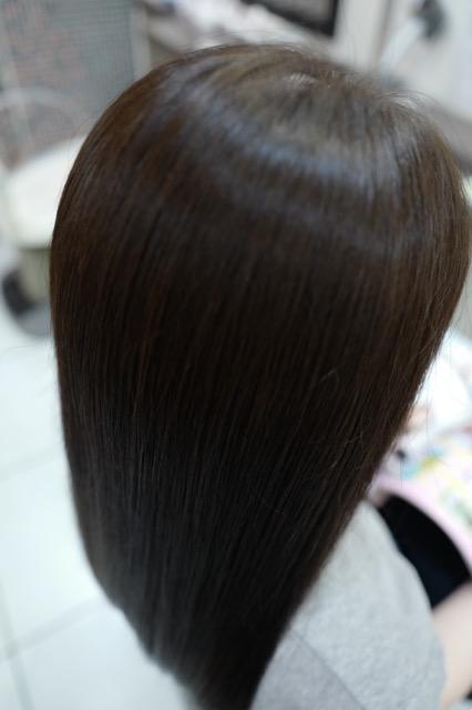美容室アシック 伊勢崎 美容室 美容師 ブログ 髪質改善 縮毛矯正 トリートメント 求人 有賀聡 ツヤ髪 天使の輪