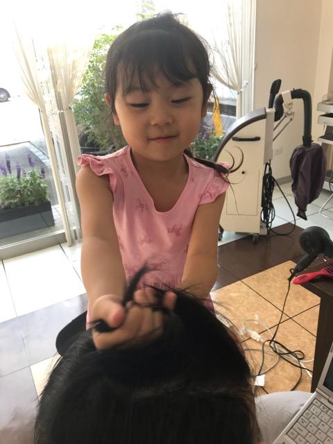 美容室アシック 伊勢崎 美容室 美容師 ブログ 髪質改善 縮毛矯正 トリートメント 求人 有賀聡 未来の美容師 彩華 いろは