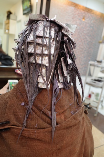 美容室アシック 伊勢崎 美容室 美容師 ブログ 髪質改善 縮毛矯正 トリートメント 求人 有賀聡 カラー ハイライト