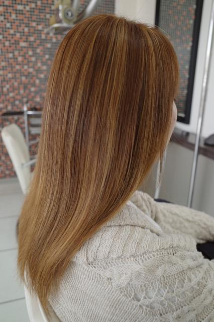 美容室アシック 伊勢崎 美容室 美容師 ブログ 髪質改善 縮毛矯正 トリートメント 求人 有賀聡  髪の毛を明るくしたい ブリーチ ハイライト