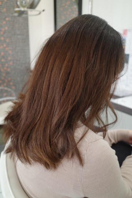 群馬県 伊勢崎市 髪質改善 美容室アシック 有賀聡  縮毛矯正 トリートメント 求人 強いパーマ液や高温アイロンを使わない縮毛矯正 髪の毛に優しい