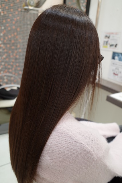 群馬県 伊勢崎市 美容室 アシック 美容師 髪質改善 縮毛矯正 トリートメント 有賀聡 求人 ツヤ髪