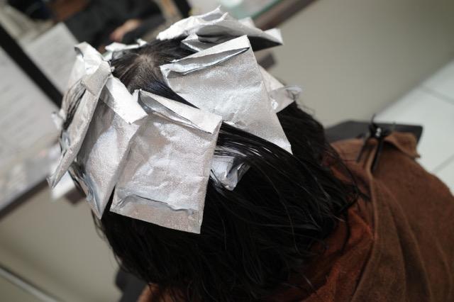 群馬県 伊勢崎市 髪質改善 美容室アシック 有賀聡  縮毛矯正 トリートメント 求人 初めての美容室でのカラー